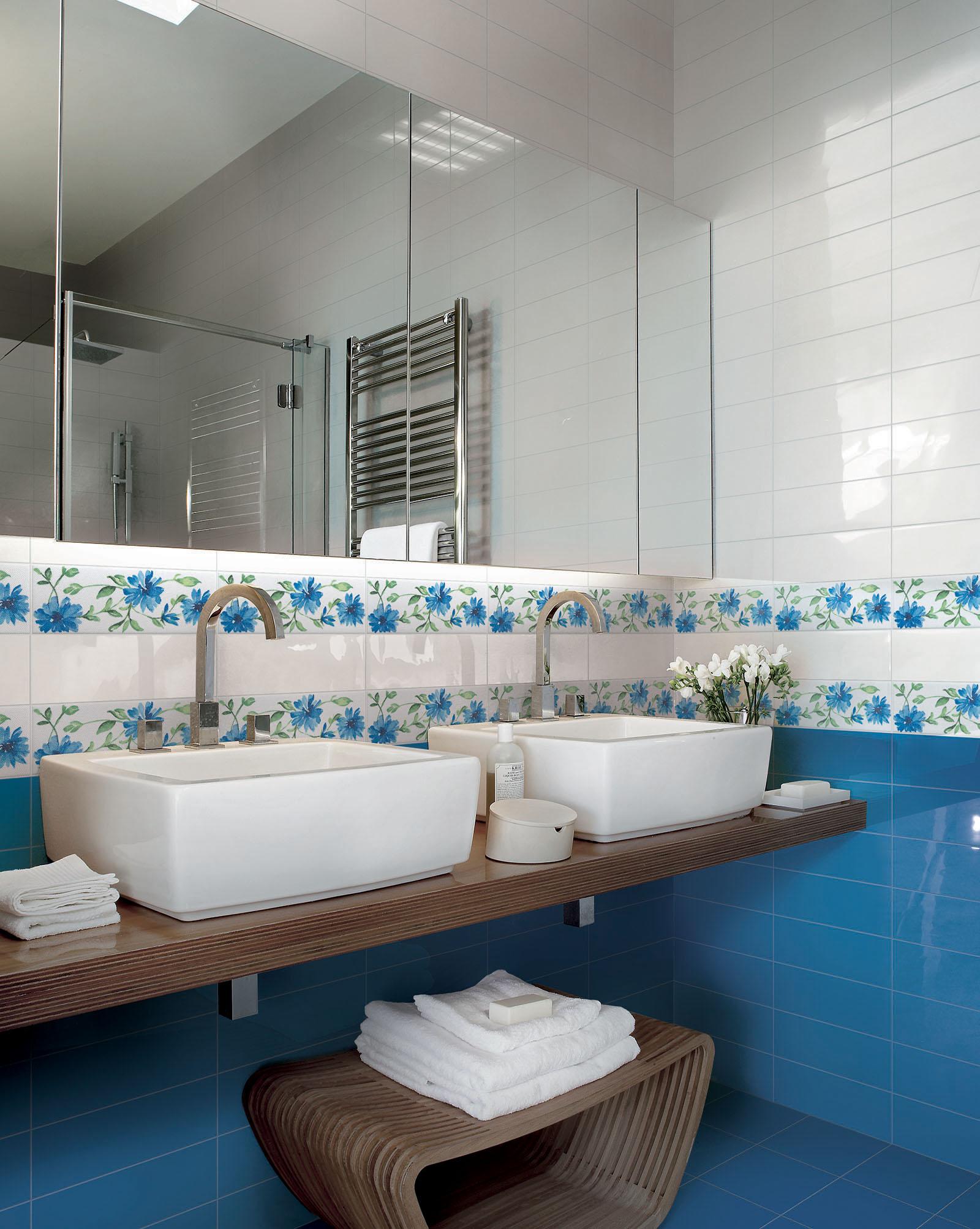 Ceramica rivestimento bagno idea creativa della casa e - Piastrelle 10x10 bagno ...